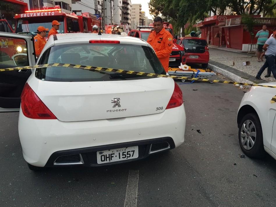 Universitário, vítima de acidente na Ponta Verde, é transferido de hospital
