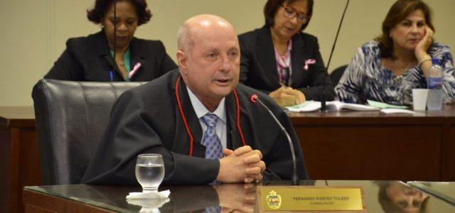 Troca-troca de juízes em ações do MP contra gestão Fernando Toledo na Assembleia