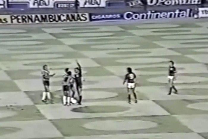 FLAMENGO Polêmica! Zico conta o que ouviu de Wright no jogo entre Flamengo e Galo de 1981