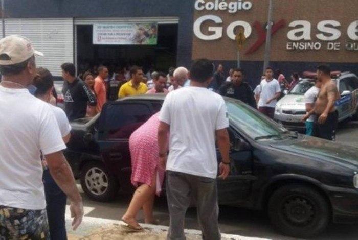 Adolescente abre fogo em escola de Goiânia e mata pelo menos dois colegas