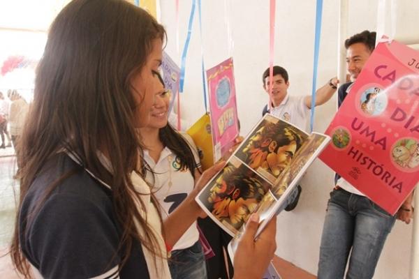 EM ARAPIRACA Escolas estaduais do Agreste apresentam trabalhos do projeto Leitura e Escrita 2017