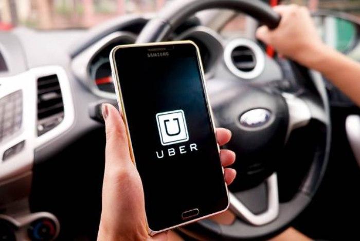 Justiça manda Uber pagar salário mínimo para motoristas em Londres