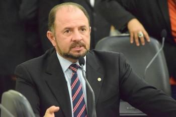 Antônio Albuquerque rebate acusação e diz que coronel estava 'alcoolizado'