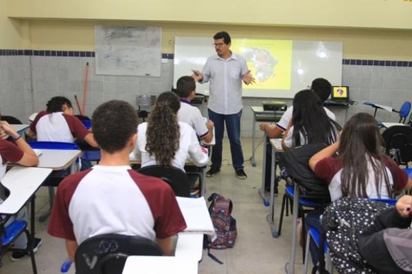 RECURSO Governo paga R$ 32 milhões de rateio do Fundeb a professores da rede estadual