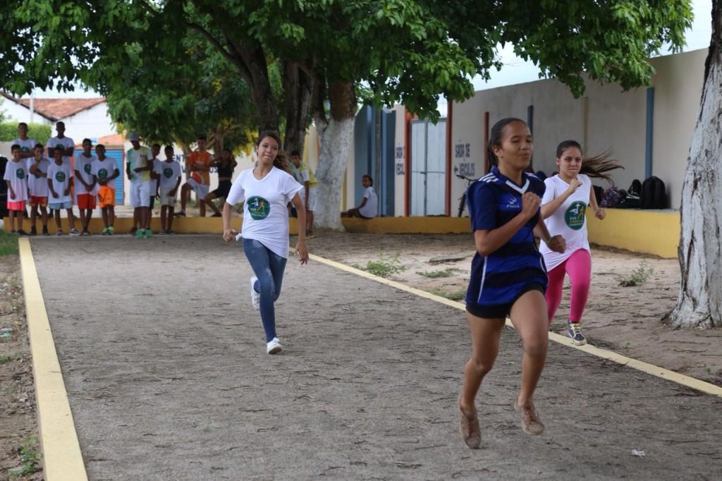 Alunos da Rede Municipal participam do I Festival Arapiraca em Movimento de Atletismo