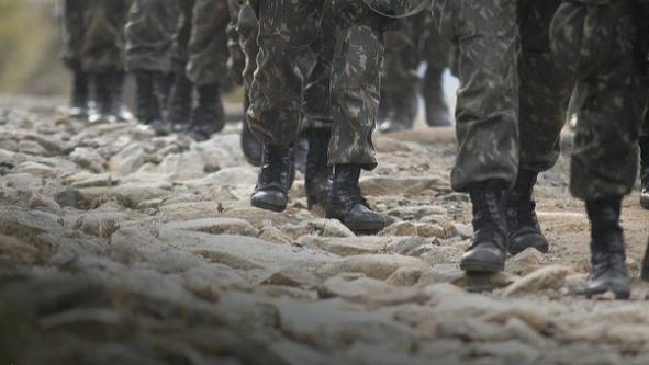 Rombo na Previdência revela que militar pesa 16 vezes mais que segurado do INSS, diz jornal