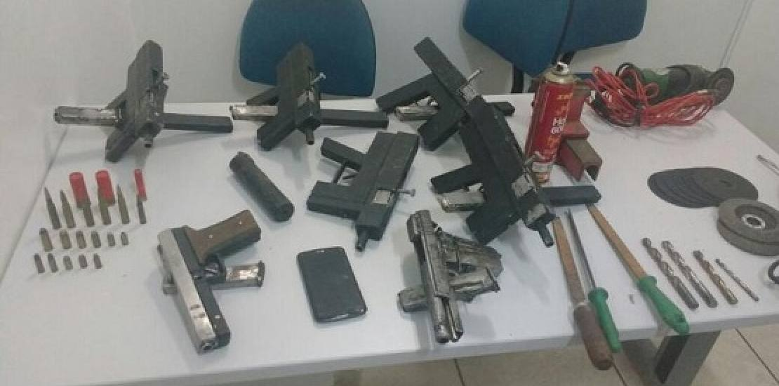 Cadeirante fabricava armas para se vingar de agressor, diz polícia