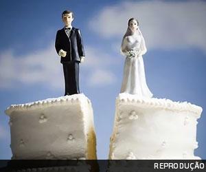 DÍVIDAS E CORRERIAS  Manter nome de casada após separação pode gerar dano moral
