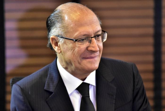 Alckmin aparece empatado com Bolsonaro em SP, aponta pesquisa