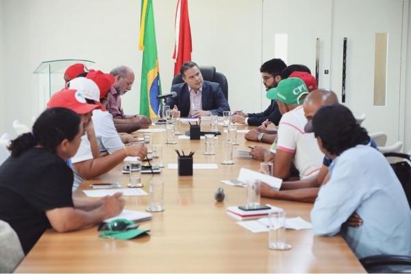 REFORMA AGRÁRIA Governador recebe lideranças de seis movimentos sociais sem-terra