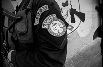 Pelopes prende homem por tentar matar companheira com machado, em Arapiraca