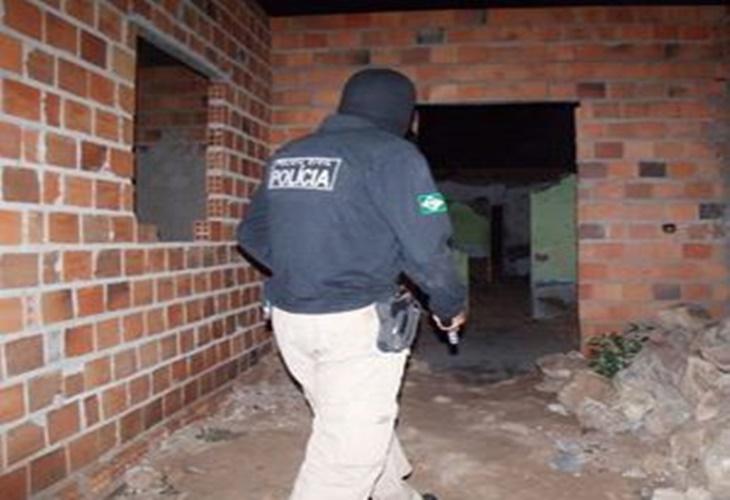 Homem com longa ficha criminal no Sertão é preso durante operação da Polícia Civil