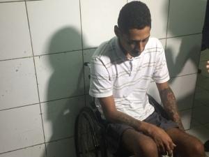 Cadeirante é preso com arma e droga dentro de casa no Tabuleiro dos Martins