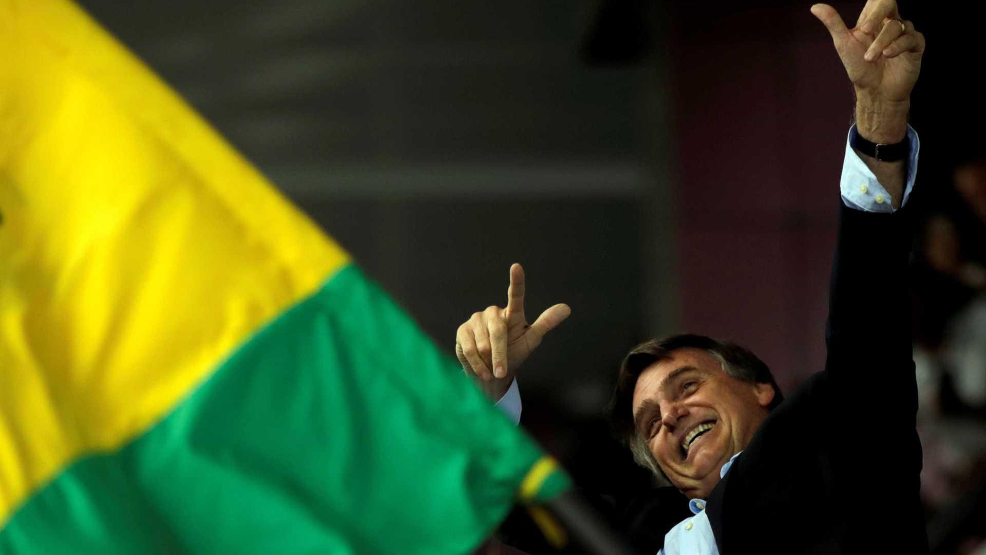 Bolsonaro defendeu novo golpe militar e guerra