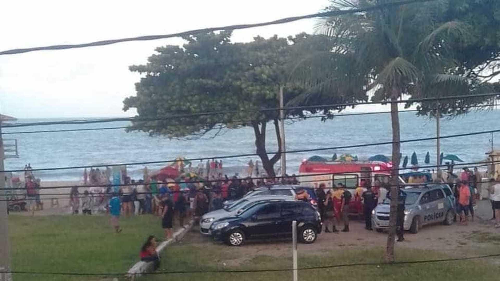 Jovem é mordido por tubarão em praia no Grande Recife