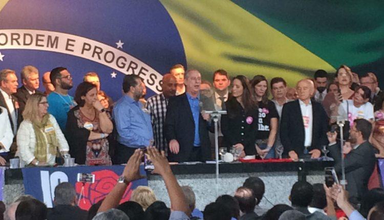 """Ciro é confirmado candidato do PDT ao Planalto e dispara contra """"baronato"""""""