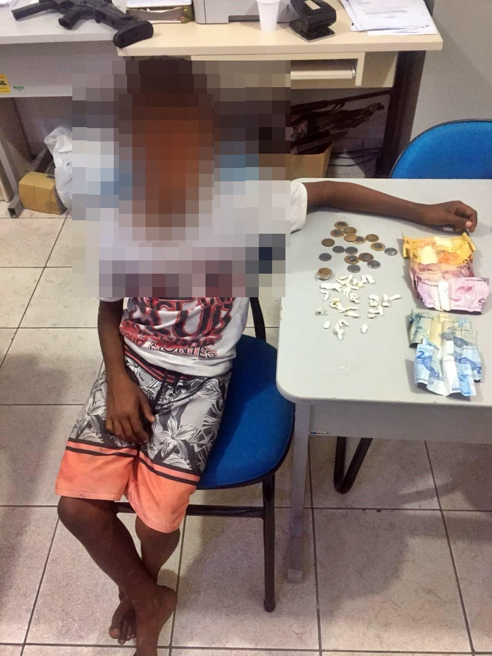 Menino de 10 anos é apreendido traficando drogas em São Miguel dos Campos