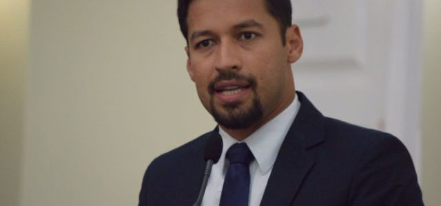 Rodrigo Cunha faz campanha longe de Téo Vilela e Rui Palmeira