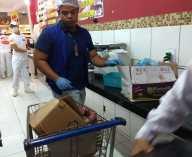 Veja imagens da carne vendida em 2 supermercados de Maceió