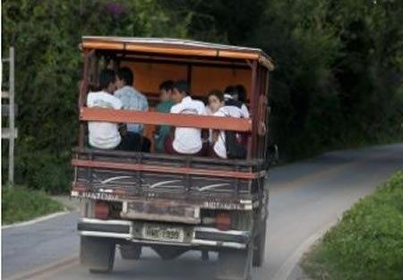 Sertão: Juiz determina que Município de Carneiros ofereça transporte escolar seguro