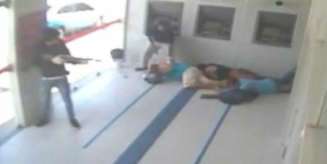 Troca de tiros resulta em sete suspeitos de assalto a banco mortos