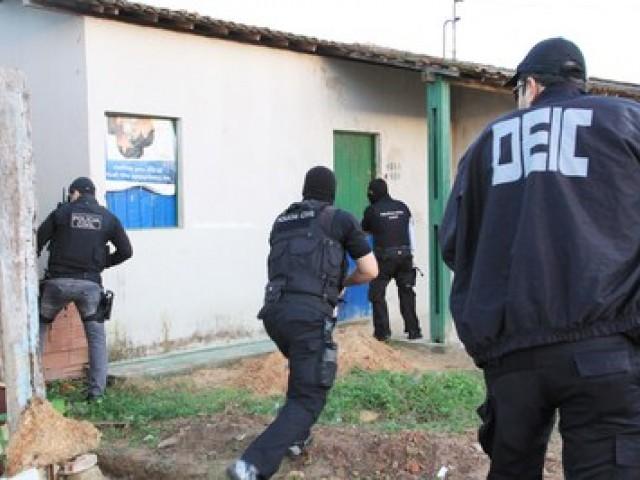 Suspeitos de assalto em AL e PE morrem após confronto com agentes da DEIC