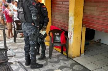 Arapiraca: Homem é morto a tiros dentro de estabelecimento comercial