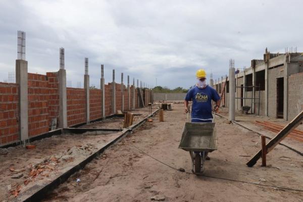 EDUCAÇÃO BÁSICA Governo amplia rede estadual de ensino com construção de seis novas escolas