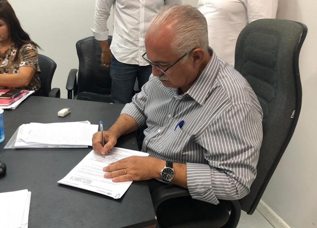 Prefeito assina decreto e inicia novo momento na administração de Arapiraca