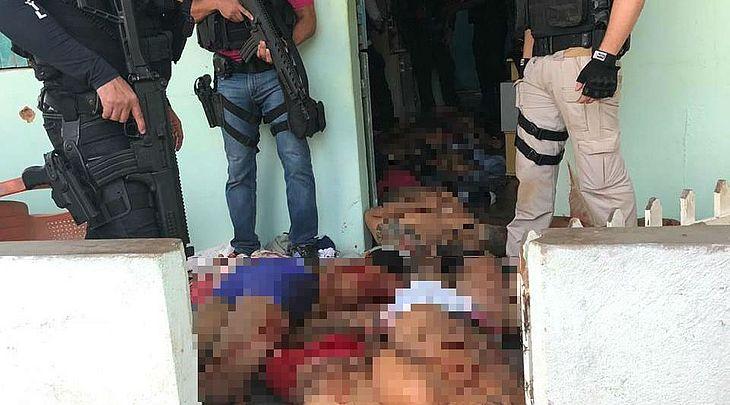 Onze suspeitos de assalto a banco morrem em confronto com a polícia em Alagoas