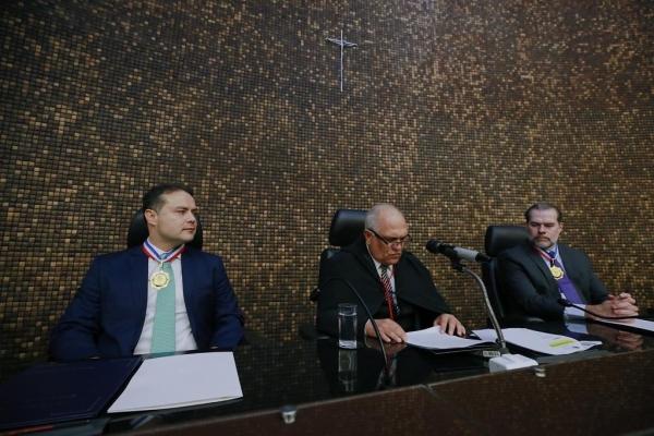 MÉRITO Renan Filho é homenageado pelo Poder Judiciário com a Comenda Moura Castro