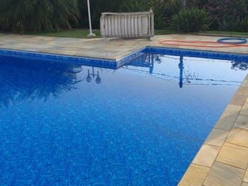 Criança sertaneja morre afogada em piscina da própria residência em Maceió