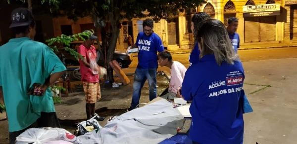 ACOLHIMENTO VOLUNTÁRIO Busca ativa noturna retira dependentes químicos das ruas de Maceió