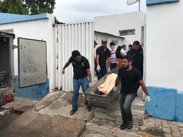 Pelo menos 10 morrem em tentativa de assalto a dois bancos em Milagres