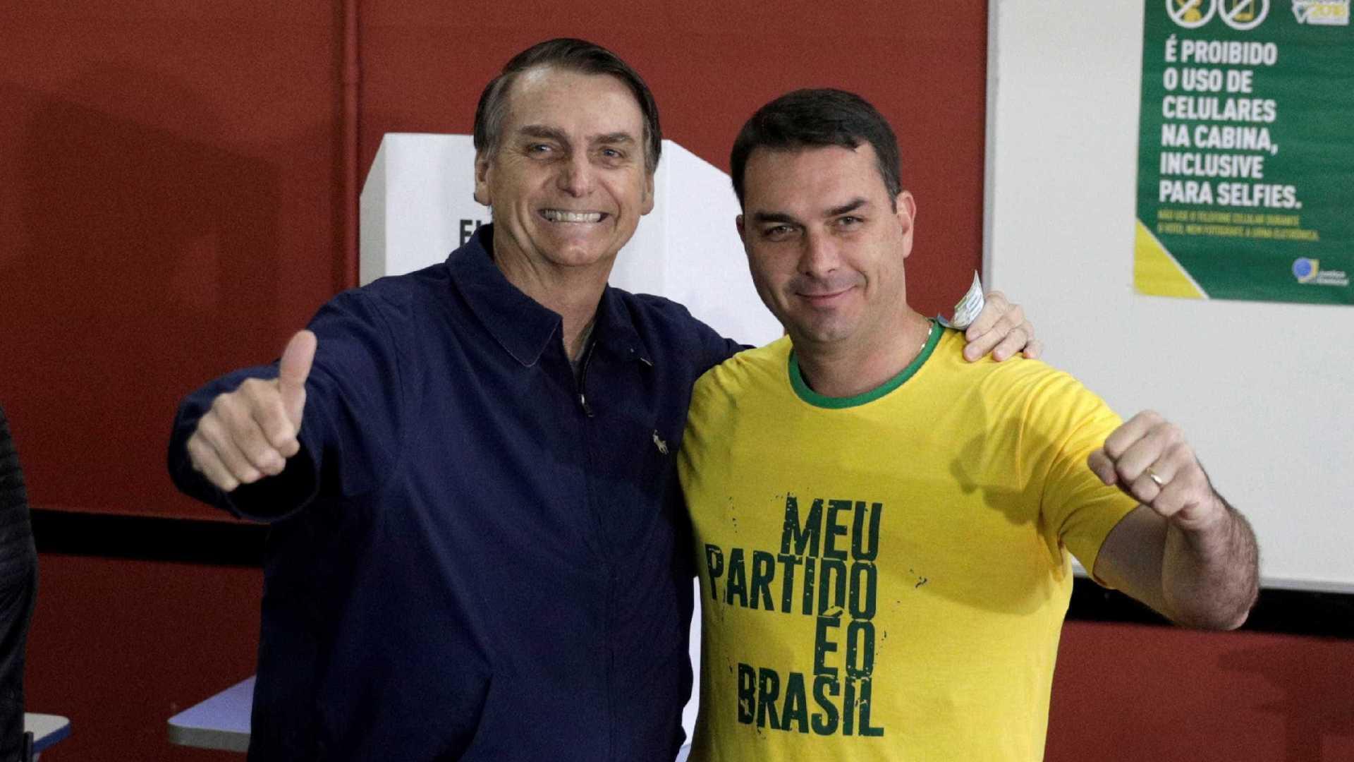 Ex-assessor de Bolsonaro que movimentou milhões mora em casa simples