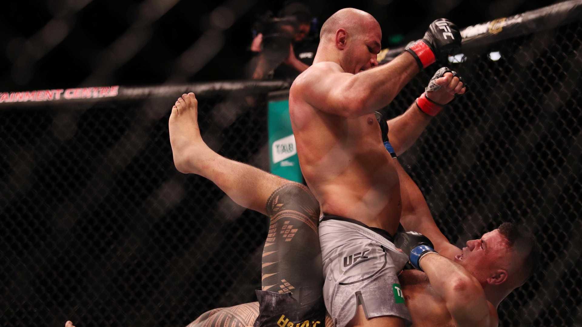 Cigano e Shogun vencem lutas por nocaute no UFC Adelaide