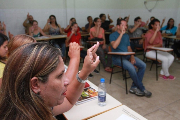 INCLUSÃO Seduc abre 350 vagas para cursos gratuitos de Libras esta semana