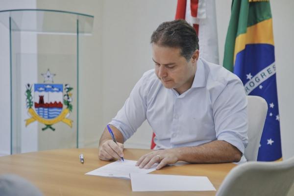 AVISO DE PAUTA Renan Filho assina decretos de benefícios fiscais para 20 empresas nesta sexta-feira (25)