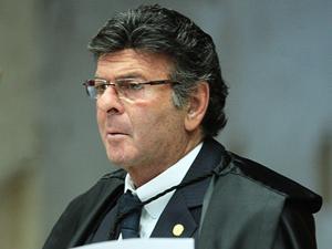 IA PRA JUSTIÇA FEDERAL  Fux diz que mandou ação sobre candidatura de Renan ao primeiro grau por engano