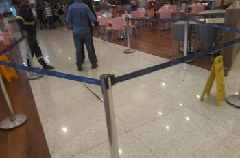 Piso estoura e causa tumulto no Parque  shopping  Maceió