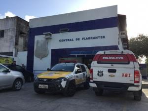 Homem é preso portando metralhadora de uso restrito em Maceió