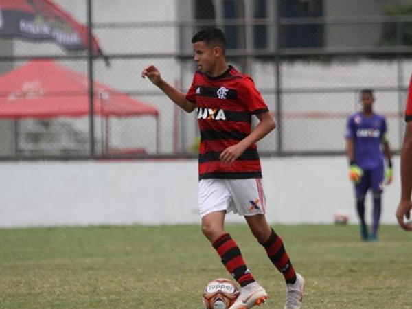 Alagoano que treina no Flamengo escapa de incêndio em CT e fica desolado