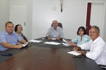 Vereadores discutem com prefeito projetos de lei que serão encaminhados à Câmara