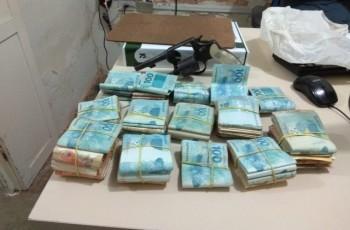 Polícia prende demais suspeitos de roubar R$ 145 mil da casa de um empresário em Olho D'Água das Flores