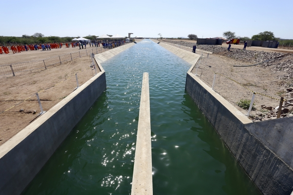 SEGURANÇA HÍDRICA Renan Filho anuncia construção de barragens no Alto Sertão