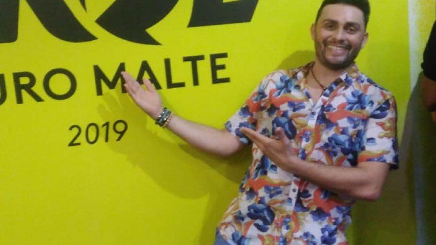 """Mano Walter celebra estar no Carnaval de Salvador e revela """"Bahia foi onde mais toquei em 2018"""""""