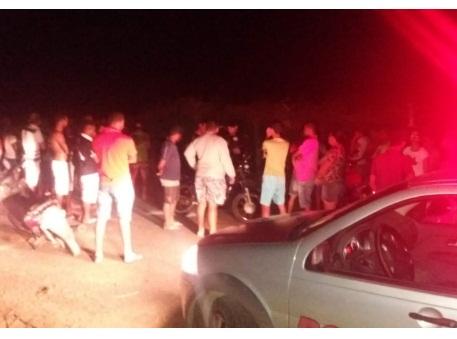 Homem é assassinado  dentro de casa em Delmiro Gouveia