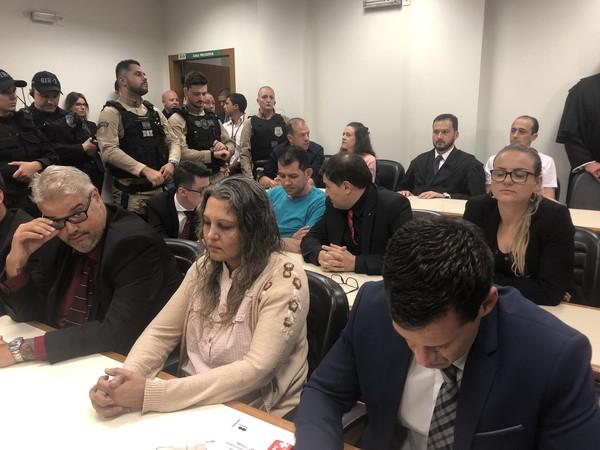 Caso Bernardo: Pai, madrasta e outros dois réus são condenados pela morte do menino