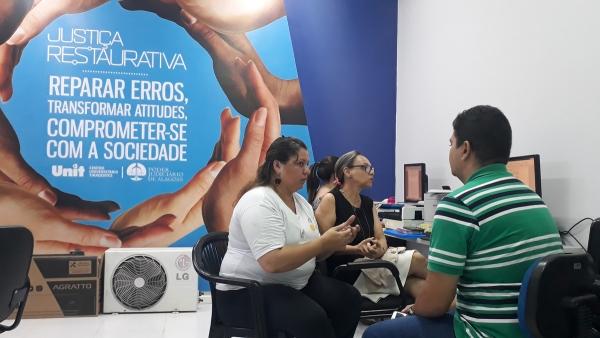ACESSIBILIDADE Central de Interpretação de Libras promove inclusão para deficientes auditivos em AL