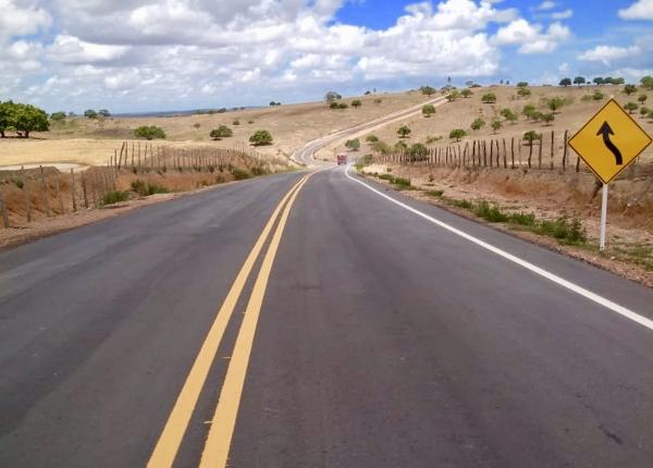 PRÓ-ESTRADA Governo de Alagoas conclui nova rota de desenvolvimento do Agreste